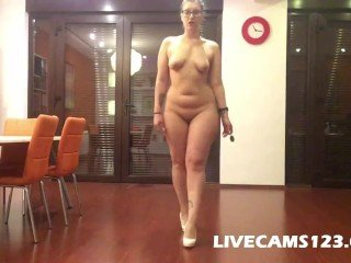Chubby Cooky revealed catwalk and twerking on webcam - livecams123.com